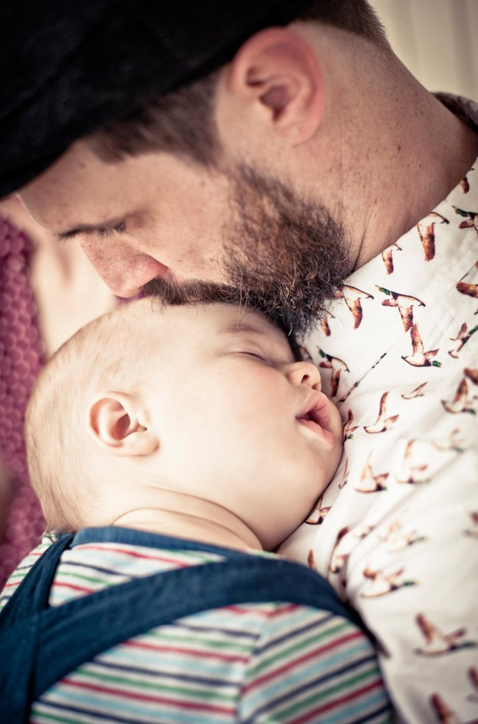 family shoot session sleeping baby