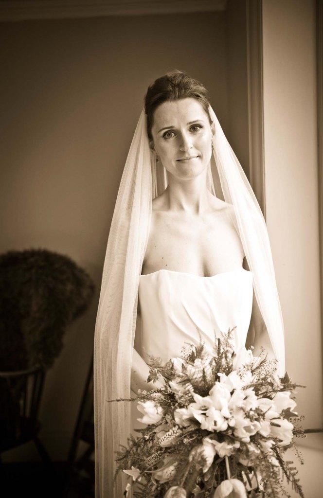 bride; the olde bell inn; hurley; wedding