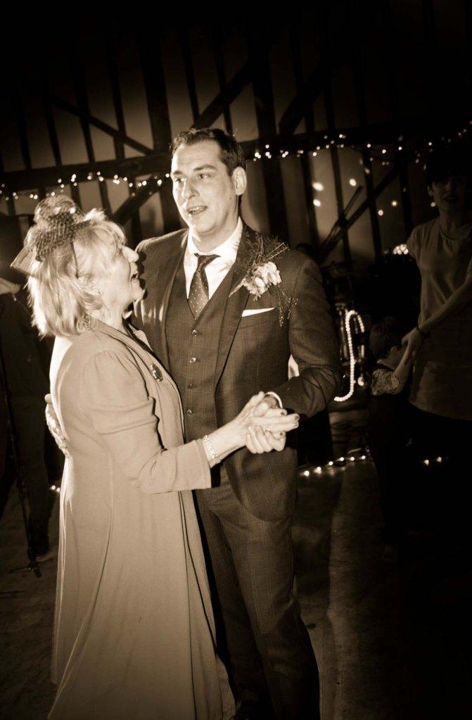 wedding dance; olde bell; hurley